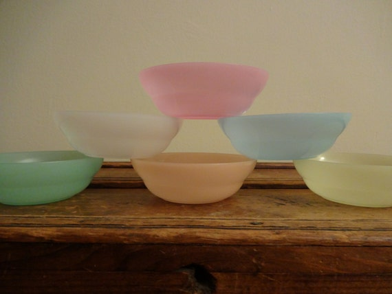 Vintage Tupperware Small Bowls Set Of 6 Pastel Marked