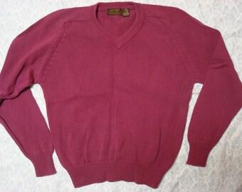 Vintage Men's Eddie Bauer Burgundy Vneck Sweater Medium