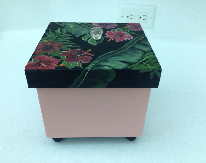 Hibiscus adorn this Solid Wood Box with Lid and Glass Knob on Top.