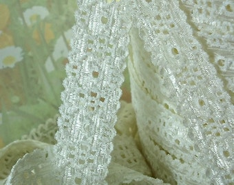 3yds Elastic Lace Stretch Ribbon Light ivory Cream Elastic Trim 5/8 inch Raw White Baby Headbands, lingerie Edging wedding lace