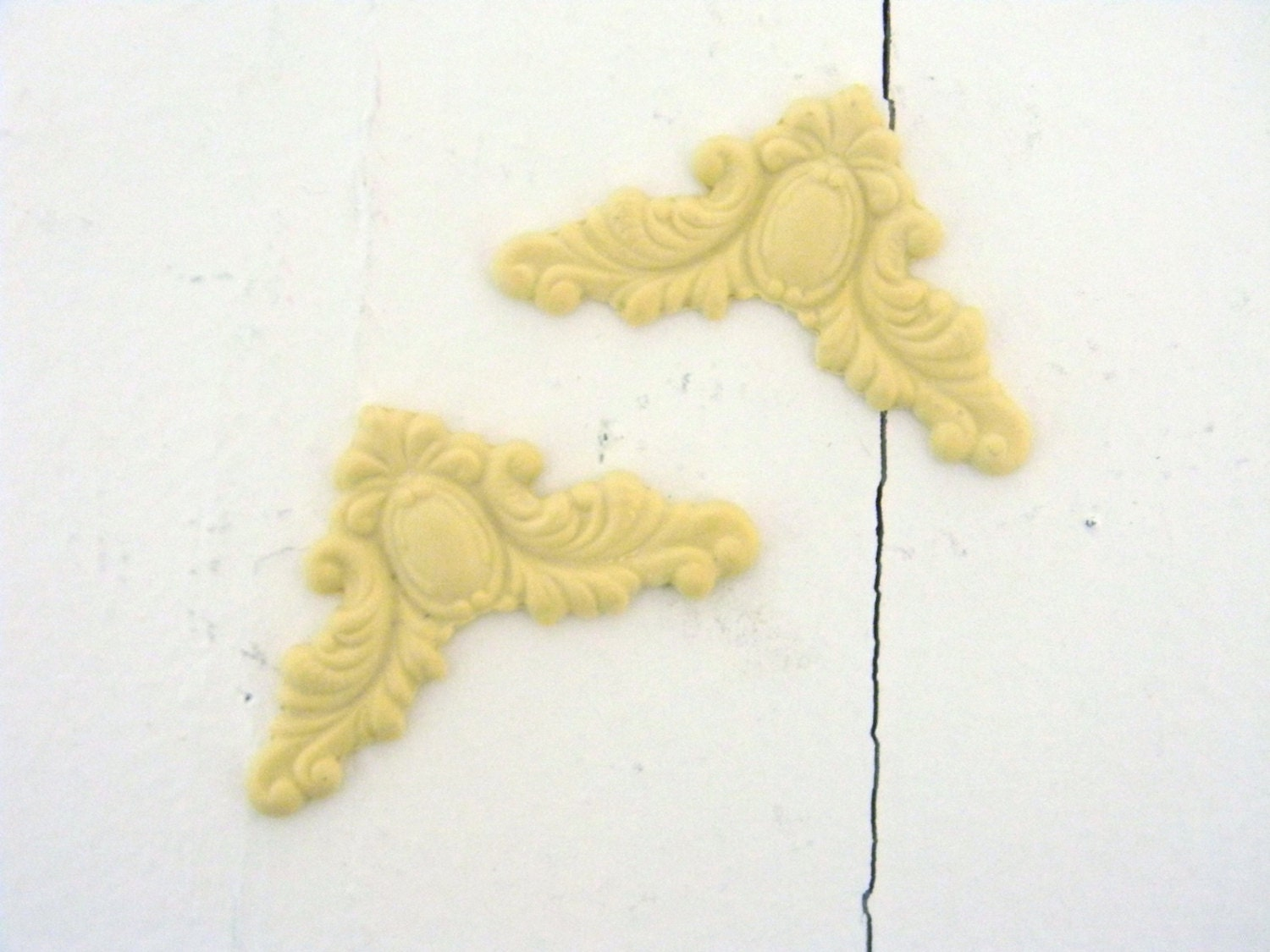 Corners 2 Furniture Applique Wood Resin Trims And
