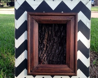 chevron distressed 5x7 frame in classic black & white with dark stained trim