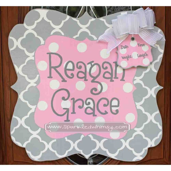 Personalized Quatrefoil Baby Sign For Hospital Door (Light Pink/Gray)