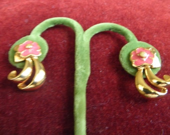 Screw On Earryings with Pink Flower