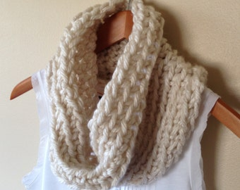 Cowl - Crochet Cowl - Infinity Scarf - Scarf - Chunky Cowl - Knit Scarf - Winter Scarf - Cream Scarf