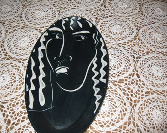 """HANDMADE ART POTTERY Dish By Victoria Crowell Signed on back 7"""" X 13"""" Black And White"""