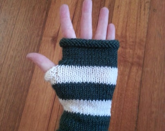 Womens fingerless gloves - forest green and white - womens gloves - unisex adult medium size - gloves with no fingers