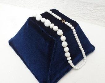 Necklace 70s jewellery ladies necklace white vintage jewelry chunky necklace vintage 1970s white jewellery teens necklace womans jewellery