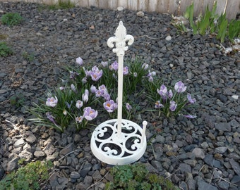 Antique White Or Iron  ~ Fleur De Lis PAPER TOWEL HOLDER ~ Wrought Iron Distressed ~ Shabby Chic Vintage Style Upright