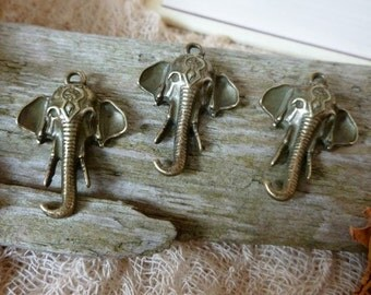4x Ganesha  Elephant Charms, Antique Brass Pendants C420