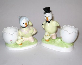 Vintage Chicken Egg Cup Holder Yellow Spring Easter Yellow Mr & Mrs Chicken Chick Hen Top Hat Chicks Bone China Egg Cup figurine