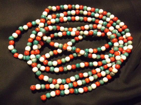 108 Vintage Red Green White Wood Bead Christmas Tree
