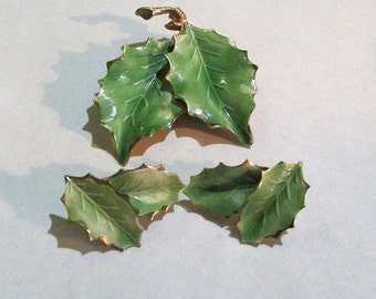 Vintage mid century enameled green LEAF BROOCH and clip EARRINGS set jewelry