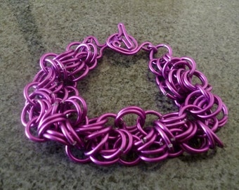 Geisha bracelet, lilac bracelet, purple bracelet, chainmaille bracelet, japanese bracelet
