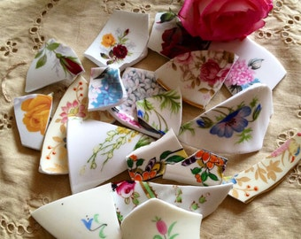 Vintage Broken china picture pieces for jewellery making. 100g.
