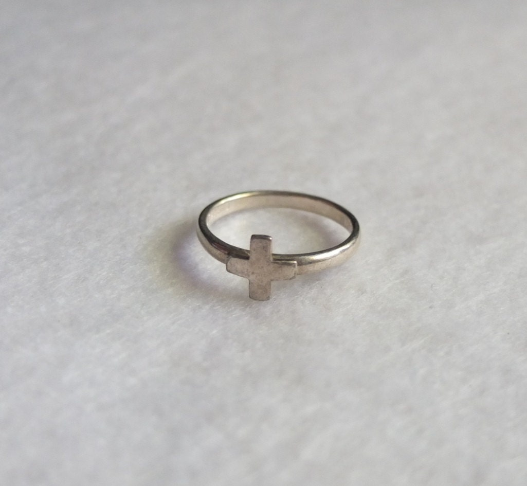 vintage sterling silver 925 cross ring size 7 by