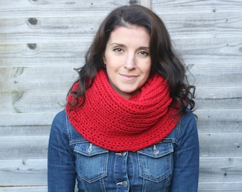 Women's Red Knit Wool Snood / Handmade Chunky Infinity Scarf / Knit Scarf
