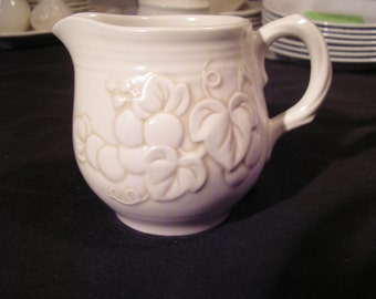 METLOX, Poppytrail Antique Grape Creamer & Sugar, 1964-1984, Discontinued