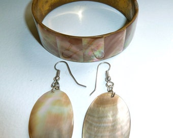 Vintage Shell Bracelet and Earring Parure Set