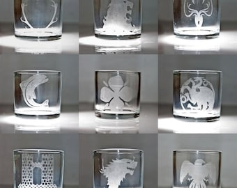 A Game of Thrones shot glasses (9 houses)