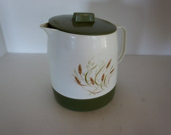 Quikut green and white thermal carafe pitcher with wheat retro kitchen decor avocado green server camper dish