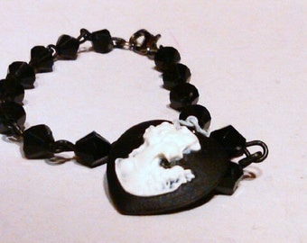 Cameo Braclet