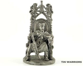 Toy soldier. King Arthur. Metal miniature sculpture. Collection 54mm 1/32 miniature figurine