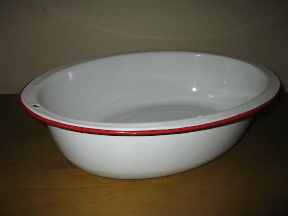 vintage 40s enamelware baby bath tub 18 x 14 oval. Black Bedroom Furniture Sets. Home Design Ideas