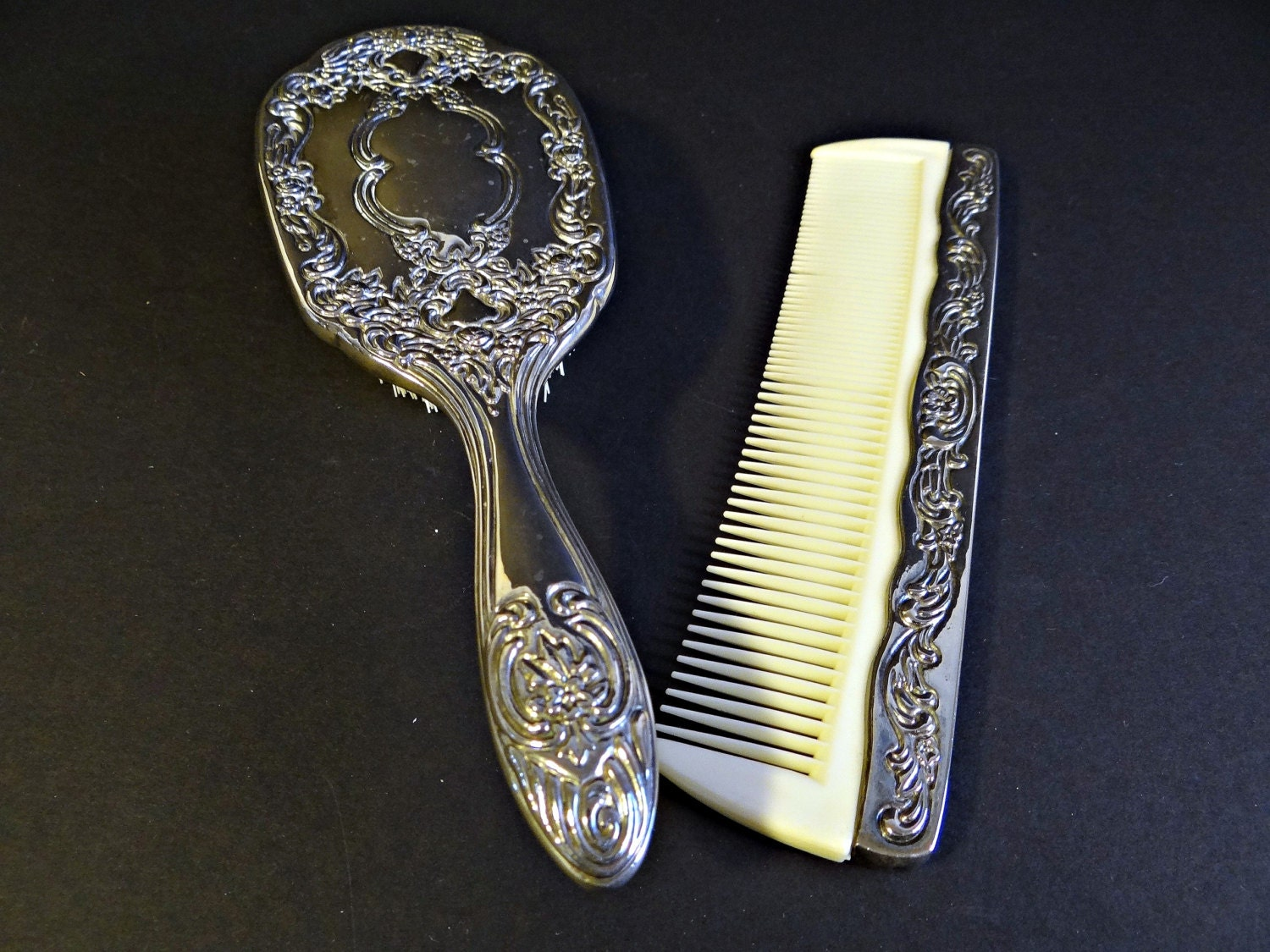 Long Handled Comb And Brush
