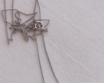 Vintage 9ct white gold heart pendant and chain
