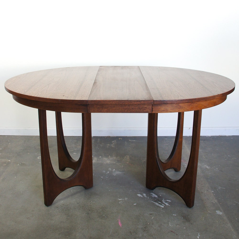 Broyhill Round Dining Table: Mid Century Dining Table / Broyhill Brasilia / Round / Vintage
