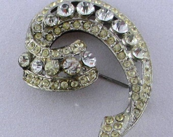 Vintage Rhinestone Jewelry: Pave Set White Rhinestones Brooch