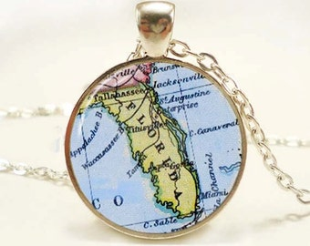 Florida map pendant, Florida jewelry, Florida necklace, travel pendant, Florida Charm