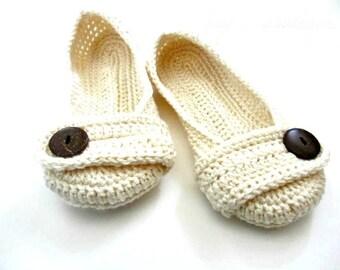 Women's Crochet slippers - Button slippers - wedding slippers - cream ivory white - womens sizes 5 6 7 8 9 10