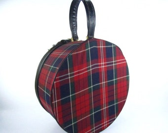 Hat box luggage, 1970s Suitcase, Round Suitcase, Travel Bag, Make Up Bag, Plaid, Tartan, Vintage Luggage