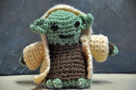 Wie Amigurumi Zusammennahen : ahnliche Artikel wie YODA AMIGURUMI Crochet Yarn Star Wars ...