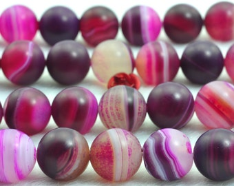 37 pcs of Matte Agate round beads in 10mm