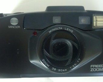 Minolta Freedom Zoom 90c 35 mm Camera