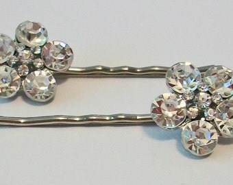 Elegant Flower Shaped Clear Rhinestone Metal Bobby Pins Perfect for Wedding or Formal