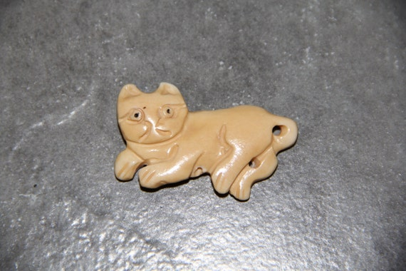 One Piece Buffalo Bone Carved Cat