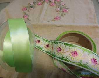Vintage jacquard ribbon trim