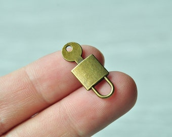 15pcs Antique Bronze Lock Charm Pendant Key Charm 10x25mm PP228