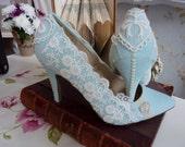 Vintage style something blue wedding shoes,