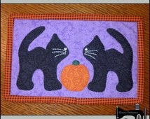 PDF Pattern for Halloween Mug Rug, Black Cat Mug Rug Pattern, Halloween Mini Quilt Pattern - Tutorial, DIY