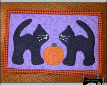 PDF Pattern for Halloween Mug Rug, Black Cat Mug Rug Pattern, Halloween Mini Quilt Pattern - Sewing Pattern, Tutorial, DIY