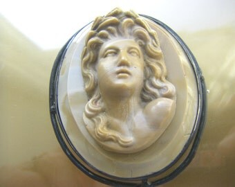antique cameo glass brooch. 1920 antique  Cameo Vintage antique Cameo jewelry
