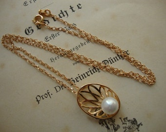 Elegant Vintage Women Chain Necklace White Faux Pearl Brass Gold  Plated - Wedding Style
