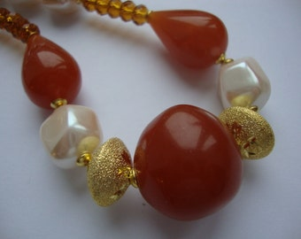 Vintage Caramel Butterscotch Amber Pressed Resin Topaz Imperial Cream Pearls Beaded Necklace