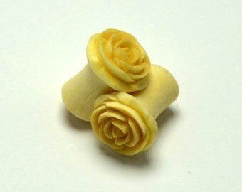 Rose Flower Ear Gauge Plugs (0g) - Crocodile Wood
