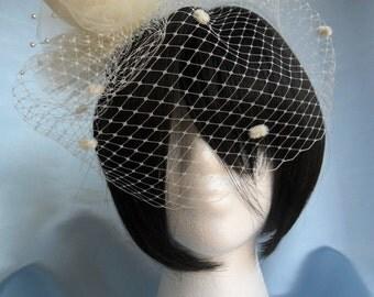 Margarete- Ivory Feather Veil, Ivory Flower Veil, Wedding Veil, Bridal Veil, Wedding Hair Accessory, Ivory Birdcage Veil, Ivory Wedding Veil